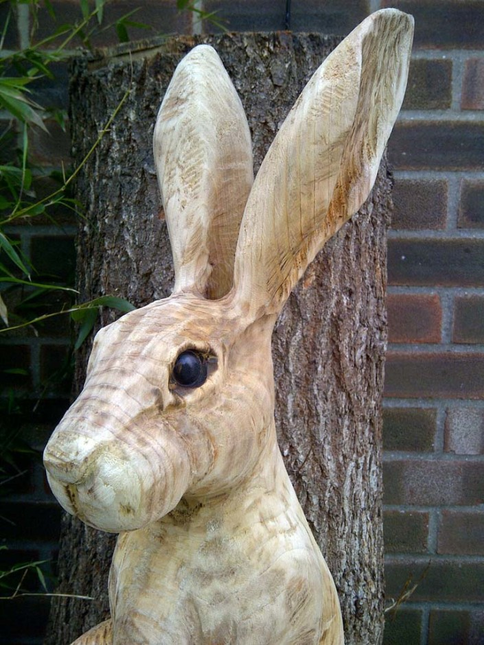 Chainsaw Sculpture Galleries | Hare carving close up unfinished