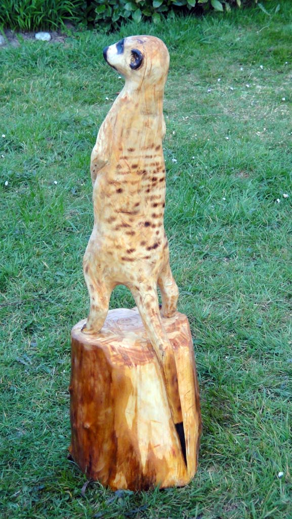 Chainsaw carvings gallery | Meercat sculpture rear view