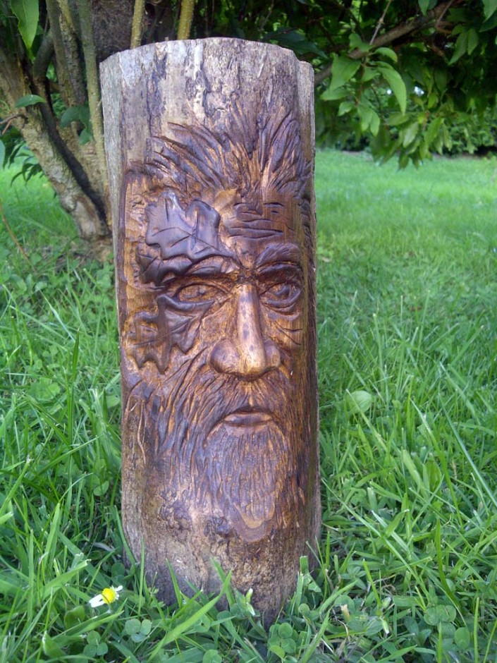 Chainsaw Artis Gallery | Wood spirit carving from wooden stump