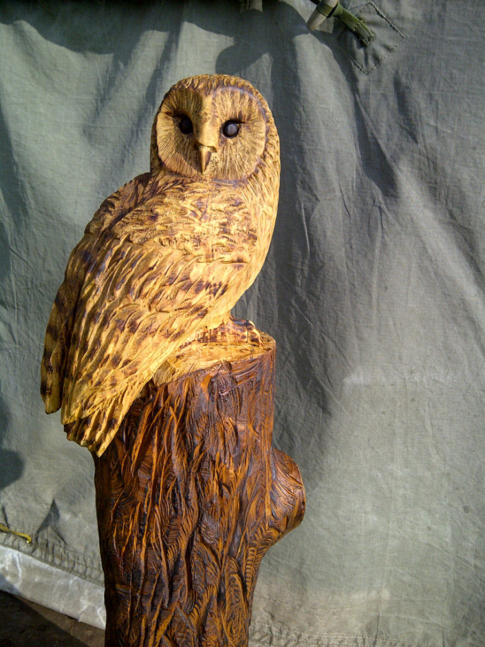 Barn owl carved with chainsaw in Norfolk